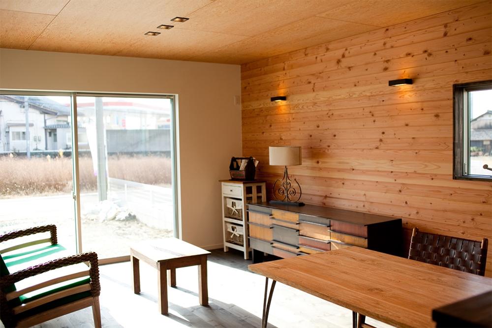 木製の家具で統一